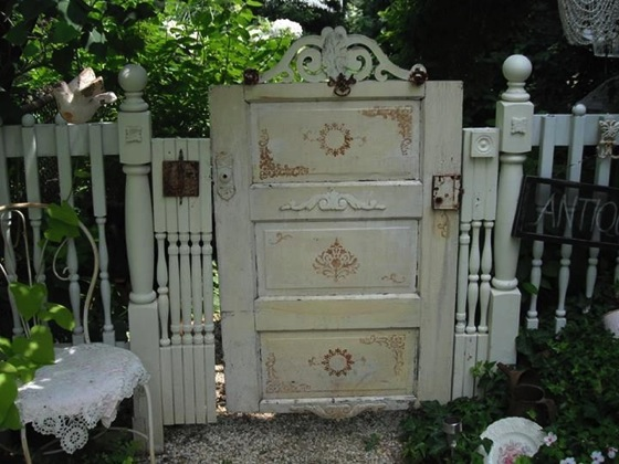 Charming Garden Gate via Gorgeous Flowers Garden & Love on Tumblr