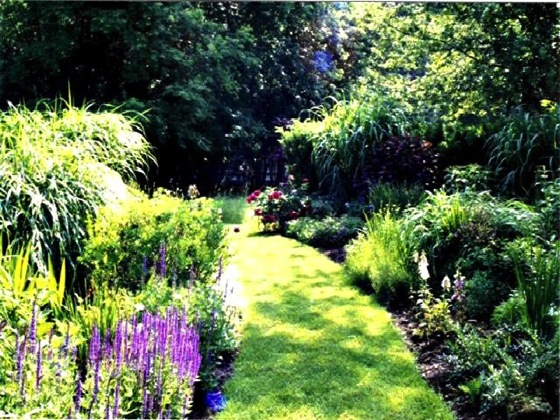 Why Pathways Are Such A Compelling Element In The Garden via Gardening Gone Wild