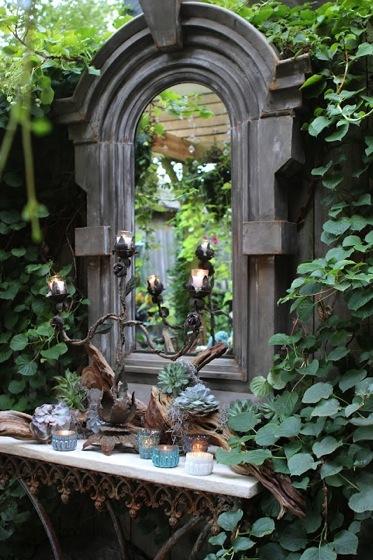 Garden decor lovely mirror in the garden a gardener 39 s for Miroir french to english