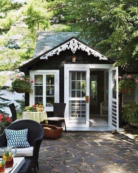 Lovely Garden Shed via @rachael_adkins on Intsagram