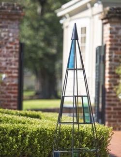 Kaleidoscope obelisk