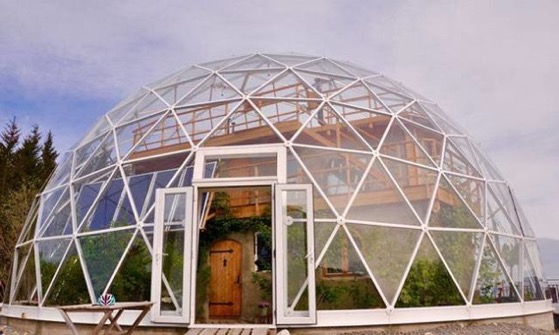 Geodesic dome protects cob house and family of 6 in Arctic Circle via Urban Organic Gardener
