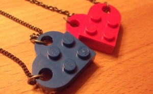 valentine-lego-necklace