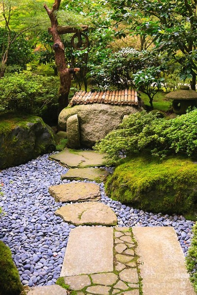 garden decor stone walkway with river rock a gardener 39 s