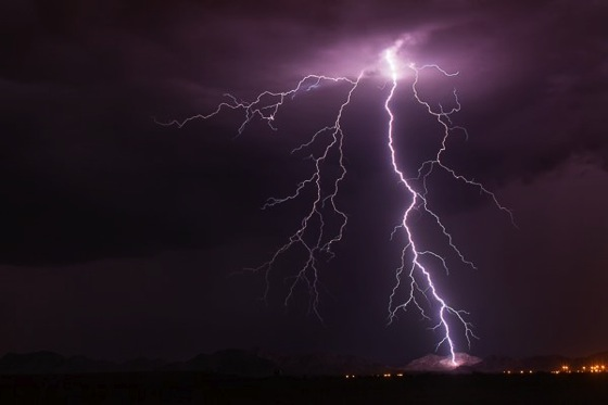 How to Photograph Lightning – the Ultimate Guide via Digital Photography School