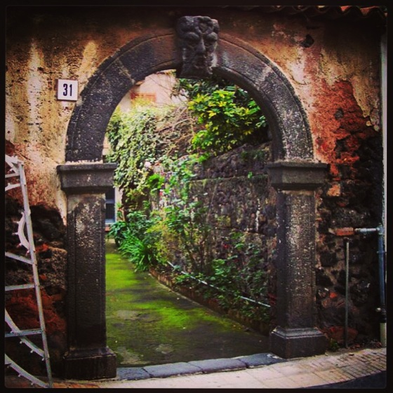 Photo: Wonderful archway in Aci Castello, Sicily
