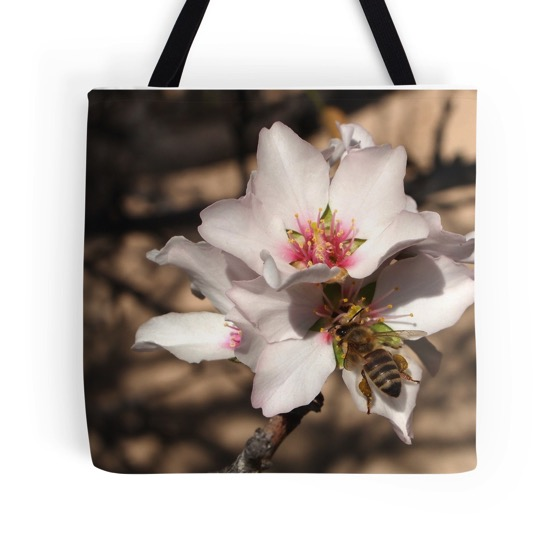 Apricot bee tote