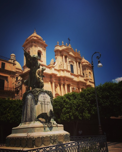 Noto Cathedral and World War I Memorial #noto #italy #sicily #architecture #church #history