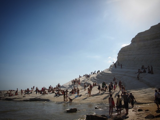 A Busy Day at Scala dei Turchi. #scaladeiturchi #sicily #italy #travel #geology #sea #mare #outdoors #nature #rocks