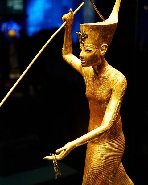 Golden Statue of King Tut hunting crocodiles via My Instagram
