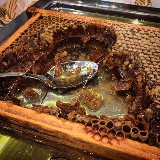 Comb Honey  in Breakfast Buffet, Hotel King Mokinba, Milano