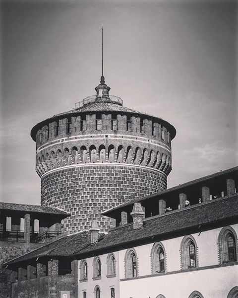 Castello Sforzesco di Milano, Milano, Italia in Black and White and Color