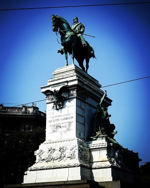 Garibaldi Statue, Milano, Italia via Instagram