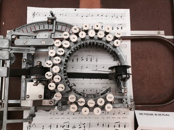 This Rare Vintage Typewriter from the 1950s Lets You Type Sheet Music via My Modern Met