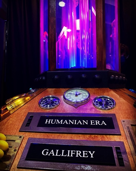 TARDIS Console Display at #sandiegowhocon via Instagram