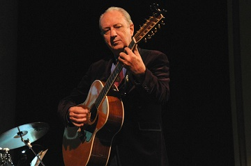 From The Research Vault: Michael Nesmith of the Monkees delights fans at Phoenixville's Colonial Theatre, Joe Vallee,  (2013, November 10).