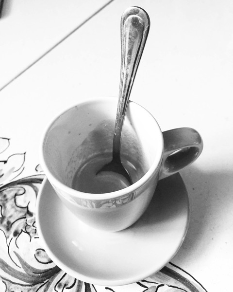 Caffè del mattino/Morning Coffee