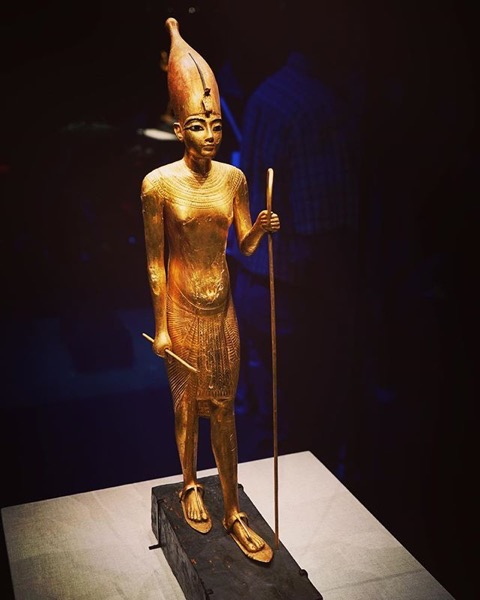 A Golden Statue 2 via My instagram