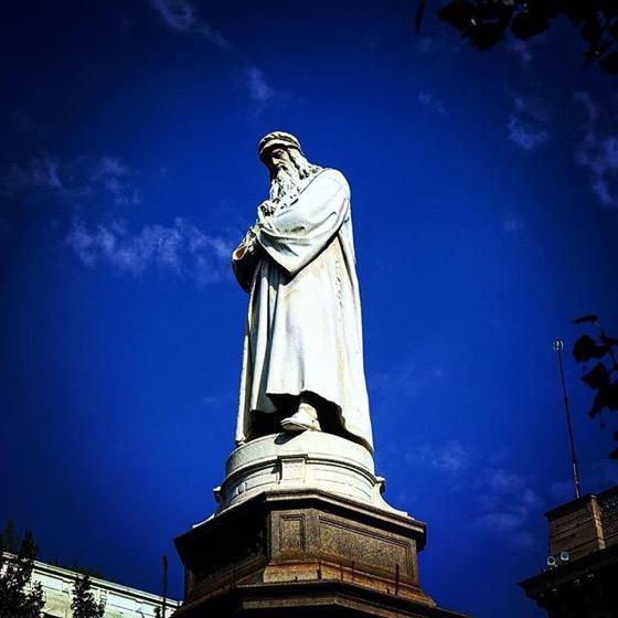 Leonardo da Vinci Statue in Piazza della Scala via Instagram