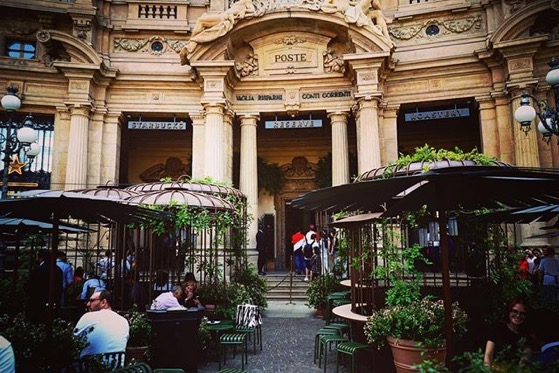 First Starbucks in Italy – Piazza Cordusio, Milano, Italy via instagram