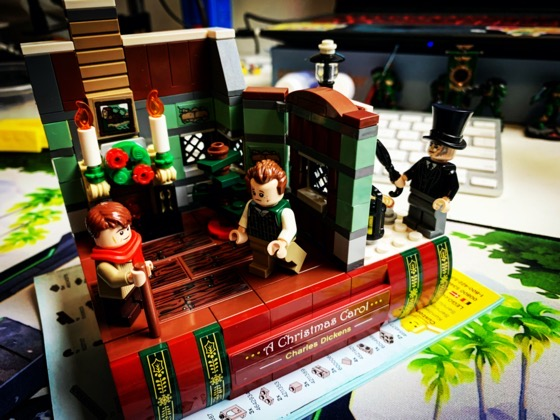Lego Christmas Carol Set via Instagram and with time lapse video [Video]
